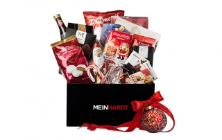 Meinhardt-Gift-Baskets-South-Granville-Holiday-Gift-Guide-2015-1150x444