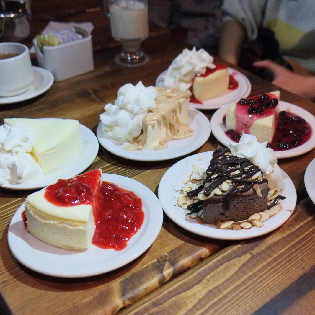 Cheesecake-Etc-Valentines-Day-South-Granville-photo-by-Dennis-the-Foodie-1067x1067