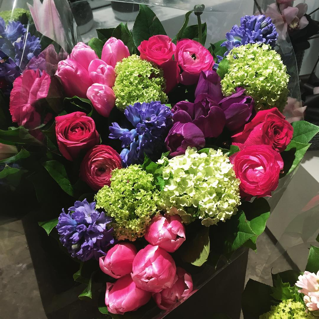 WHO'S NEW FRESH FLOWERS AND FASHION – South Granville