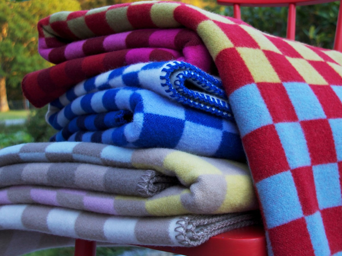 Blankets-Urbanity-South-Granville-Holiday-Gift-Guide-2017