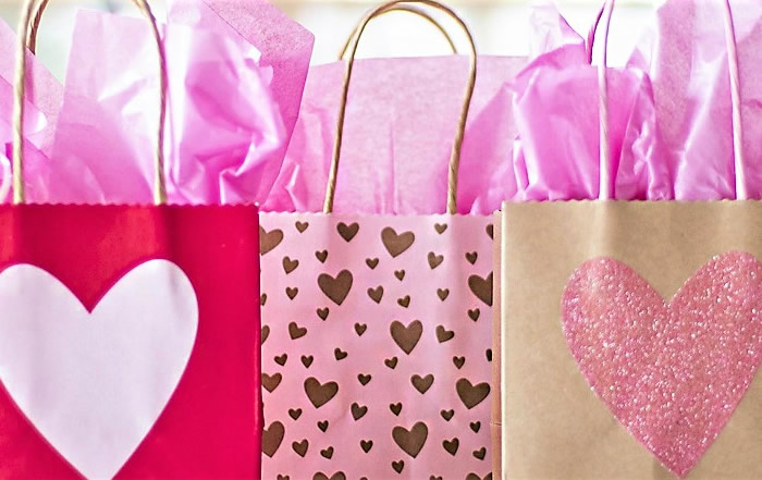 Your-Shopping-Guide-To-Sweetheart-Gifts-in-South-Granville-featured