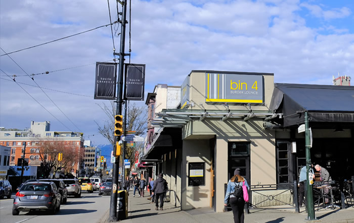 Bin4-Burger-Lounge-South-Granville-SGBIA8966KMakphoto-700